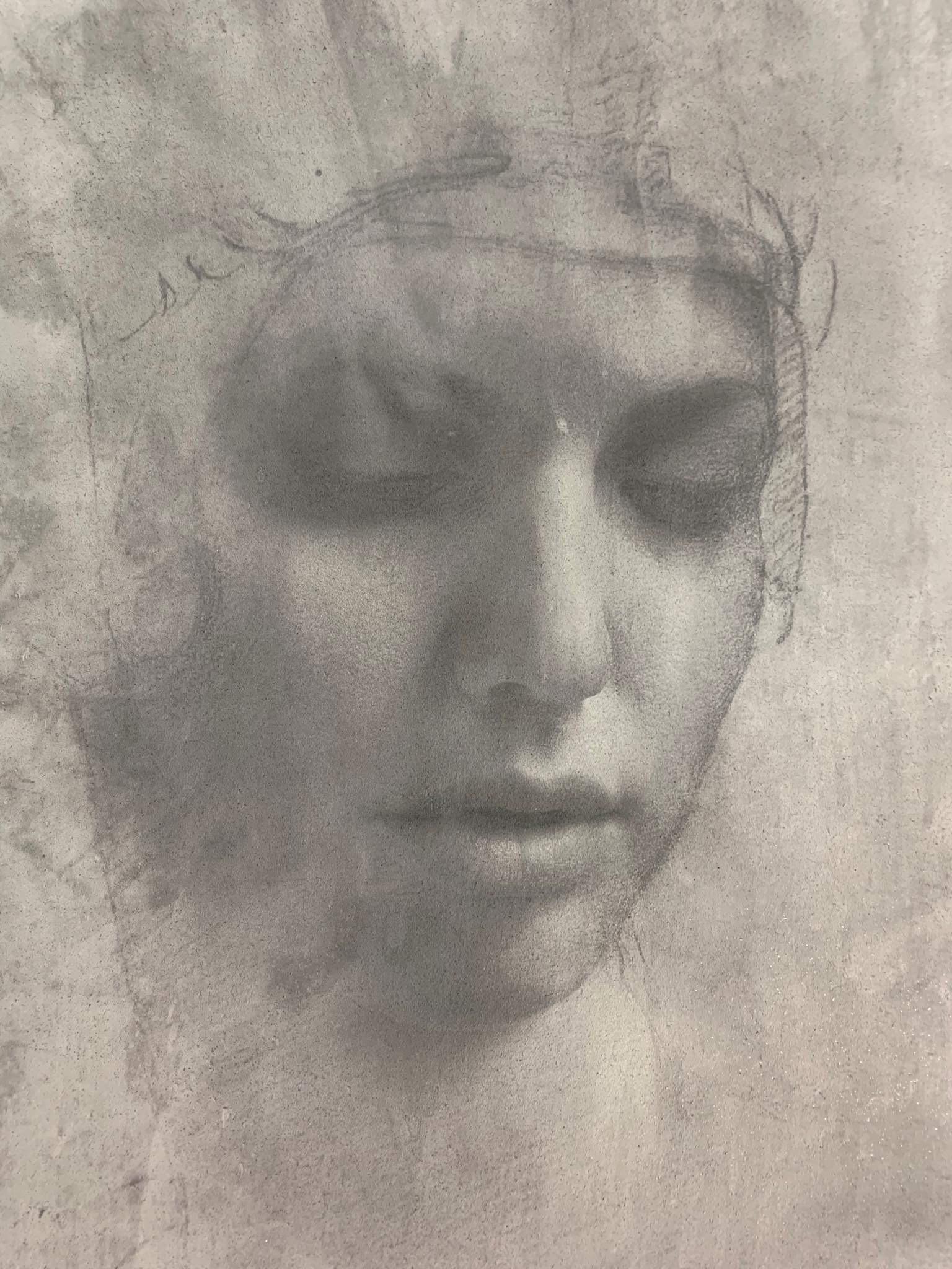 Volto di donna opera di Francesco Ferla, su Conclad cemento non cemento stampa Labservicephoto